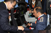 埃及军官亲驾L15教练机