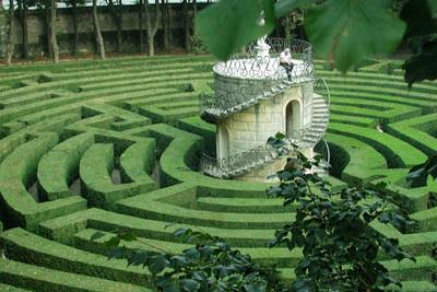 皮薩爾別墅花園迷宮創建于1720年,被譽為世界上最復雜的迷宮