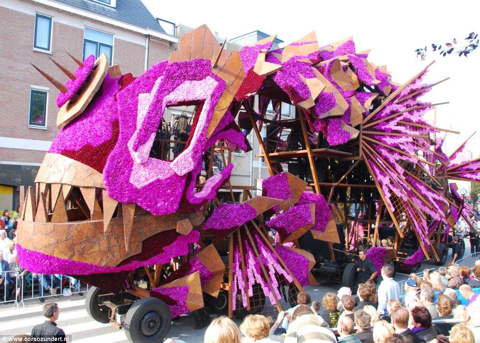 荷兰年度花车巡游造型拍案叫绝(7/12)图片