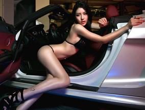 谁是真正的屌丝女神?广州车展性感大盘点