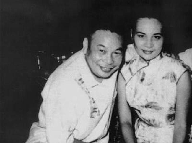 蒋经国为何事嚎啕大哭?女儿执意嫁给再婚男