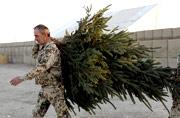 驻阿德军开始张罗过圣诞了
