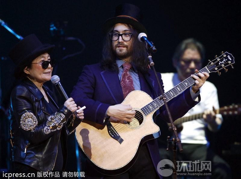 约翰·列侬儿子_纪念约翰·列侬逝世32周年演唱会 小野洋子献唱_娱乐_环球网