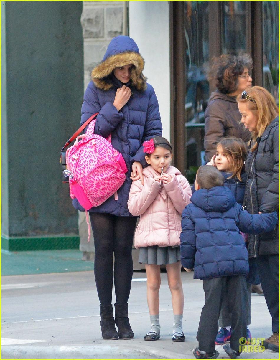 冬日穿超短裙上学不怕冻