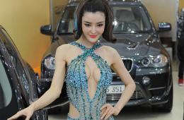 美女车模比拼宝石装