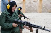 阿富汗国民女警察彪悍登场