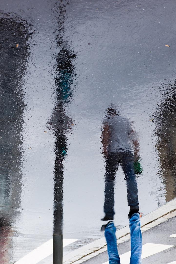 国内资讯_风光摄影:街头倒影_摄影_环球网