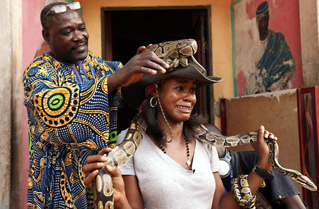 西非国家贝宁的传统巫毒教节