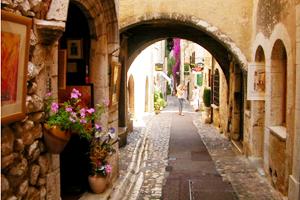 法国普罗旺斯小镇_游走法兰西 这里不只有巴黎_环球网