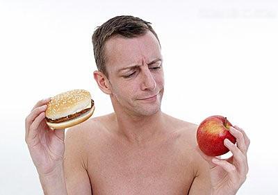 4.淋巴结变化 如果男性腋窝或者颈部等处淋巴结出现肿块或者肿胀,
