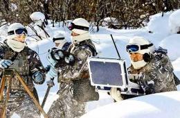 我军特种兵换装新型雪地作战服