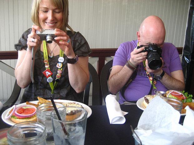 美国高档餐厅禁止给食物拍照