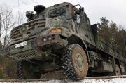 奔驰装甲卡车硬汉般威武