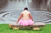人像摄影:为妻再舞的粉色短裙男