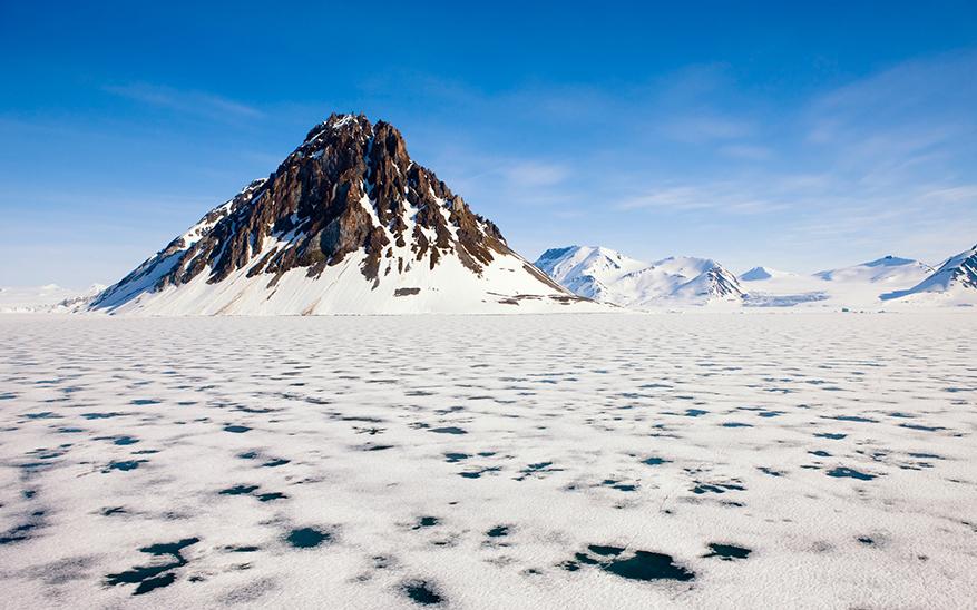 冷的地方之一,夏季炎热,冬季寒冷,并且冬季持续的时间比夏季长