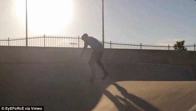 霍克/美失明大学生玩滑板视频蹿红网络(5/5)