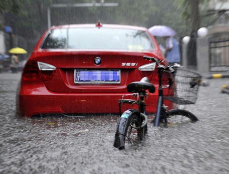 """北京暴雨下的""""媒体生态"""""""