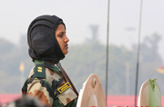 印度装甲女兵这是第一次见