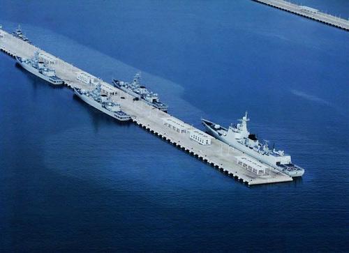 三亚有作为航母军港的优良条件