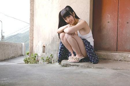 日本童颜巨乳女星写真图片