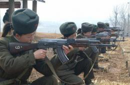 朝鲜士兵举行军事演习