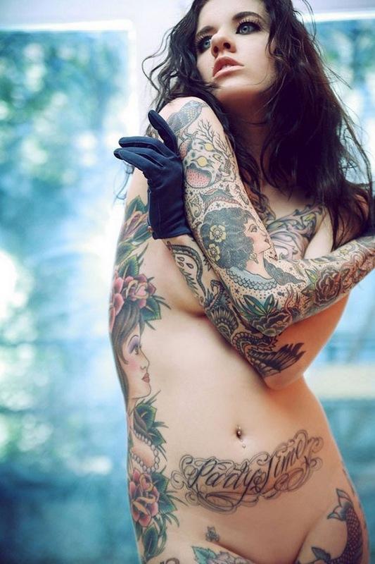 美女刺青:叛逆的自我认知体验