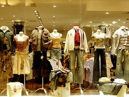 15平米服装店装修图