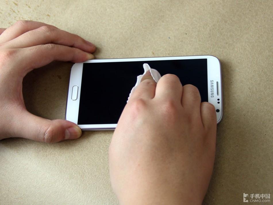 手机 青田/手机屏幕怕划伤手把手教你手机贴膜(18/35)