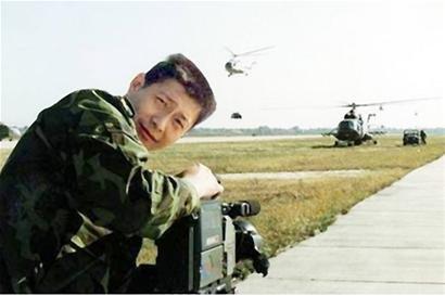 央视记者采访旱情遇车祸逝世 死前仍紧抱摄像机
