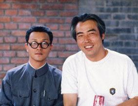 陈凯歌与张国荣《霸王别姬》片场旧照曝光