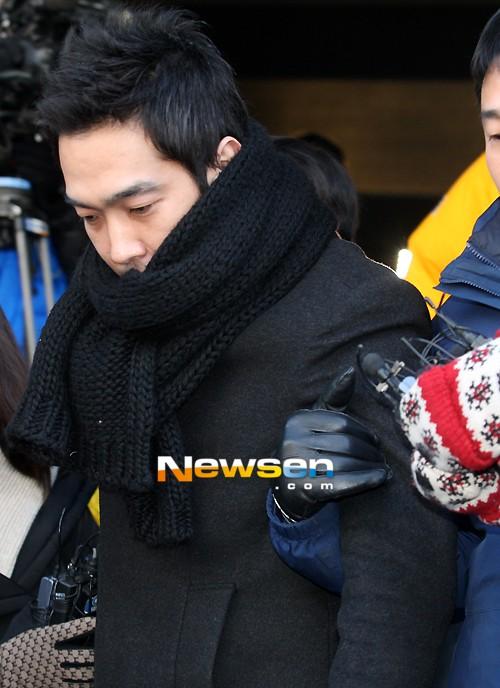 韩国艺人高英旭涉嫌未成年少女被判7年