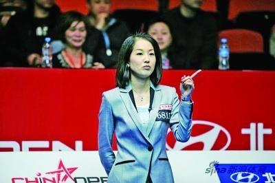斯诺克中国赛第2轮 观众随意拍照遭美女裁判驱逐
