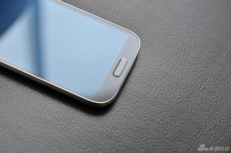 安卓/13年安卓旗舰手机三星Galaxy S4对比HTC One(3/50)