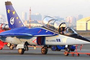 11届迪拜航展翱翔中国鹰