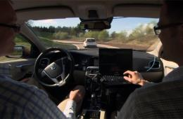 无人驾驶车型推广遇到法律规范问题