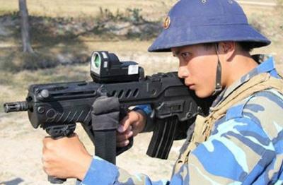 越南士兵的武器越来越时髦