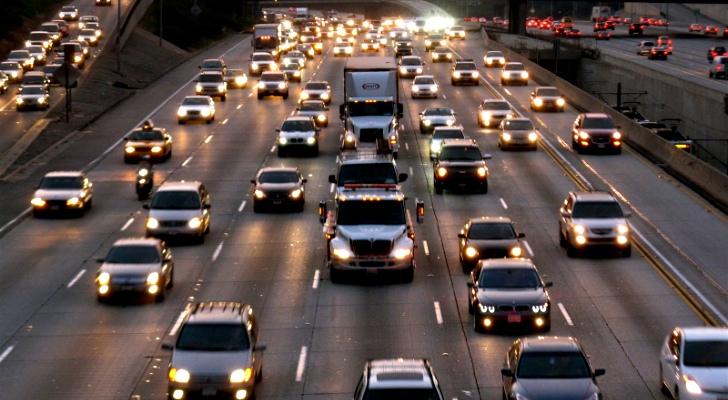 美国养车费用年年涨 年均合5.7万元