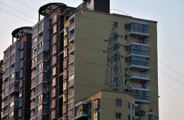 雷人电线塔建在16楼