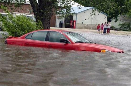 汽车协会:洪水过境 将爱车损伤降至最低
