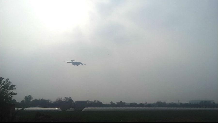 中国运20运输机第二次试飞成功