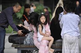 记录四川雅安7.0级地震:我们与他们在一起