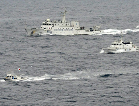 我8艘海监船巡航钓鱼岛