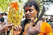 第三性的隐秘世界:印度阉人节