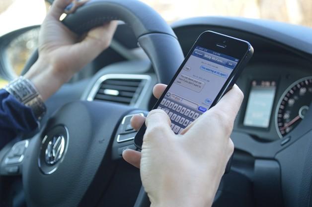 最新研究:驾车语音短信并非完全安全