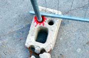 街头艺术家巧妙改善城市瑕疵