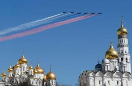 俄战机为胜利日彩排
