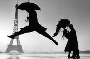 """""""浪漫之都""""巴黎的雨伞文化"""