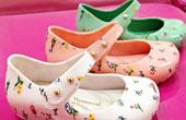 小七同款Vivienne Westwood超萌果冻鞋