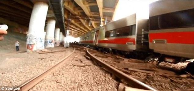 火车 目睹/美滑板少年目睹火车事故无人报警(11/11)