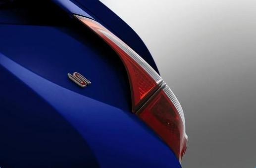 丰田/最新发布的2014款丰田卡罗拉图片主要展示了新车的尾灯还有后方...